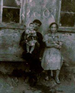 Саша, Полина и дочка Валя 20.09.1964г