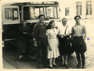 5.Возле автостанции-50-е г.